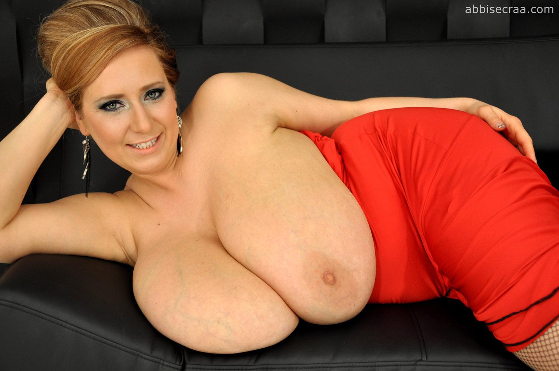 Abbi Secraa Red Dress Large Breasts - Curvy Erotic