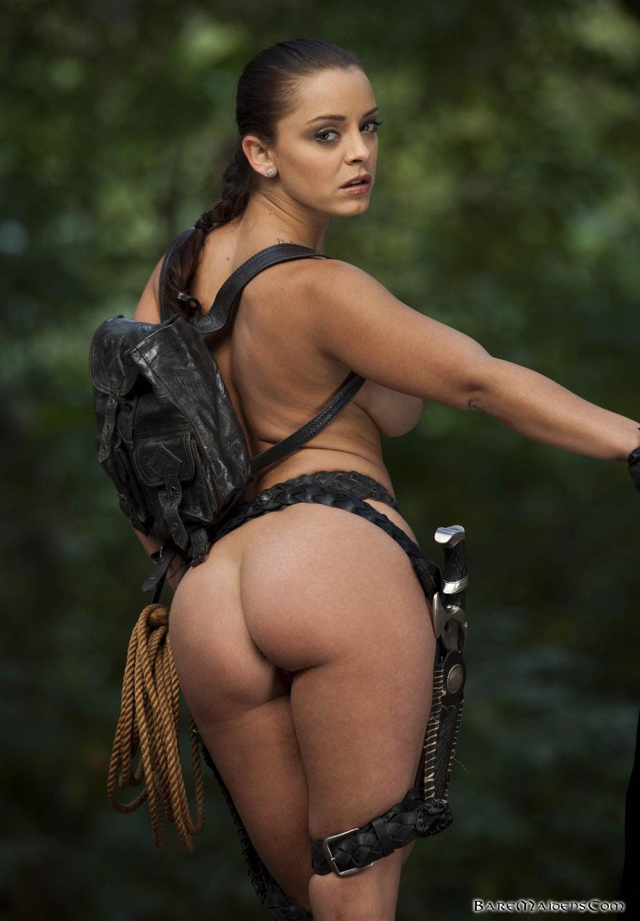 Naked laura croft skin nackt scenes