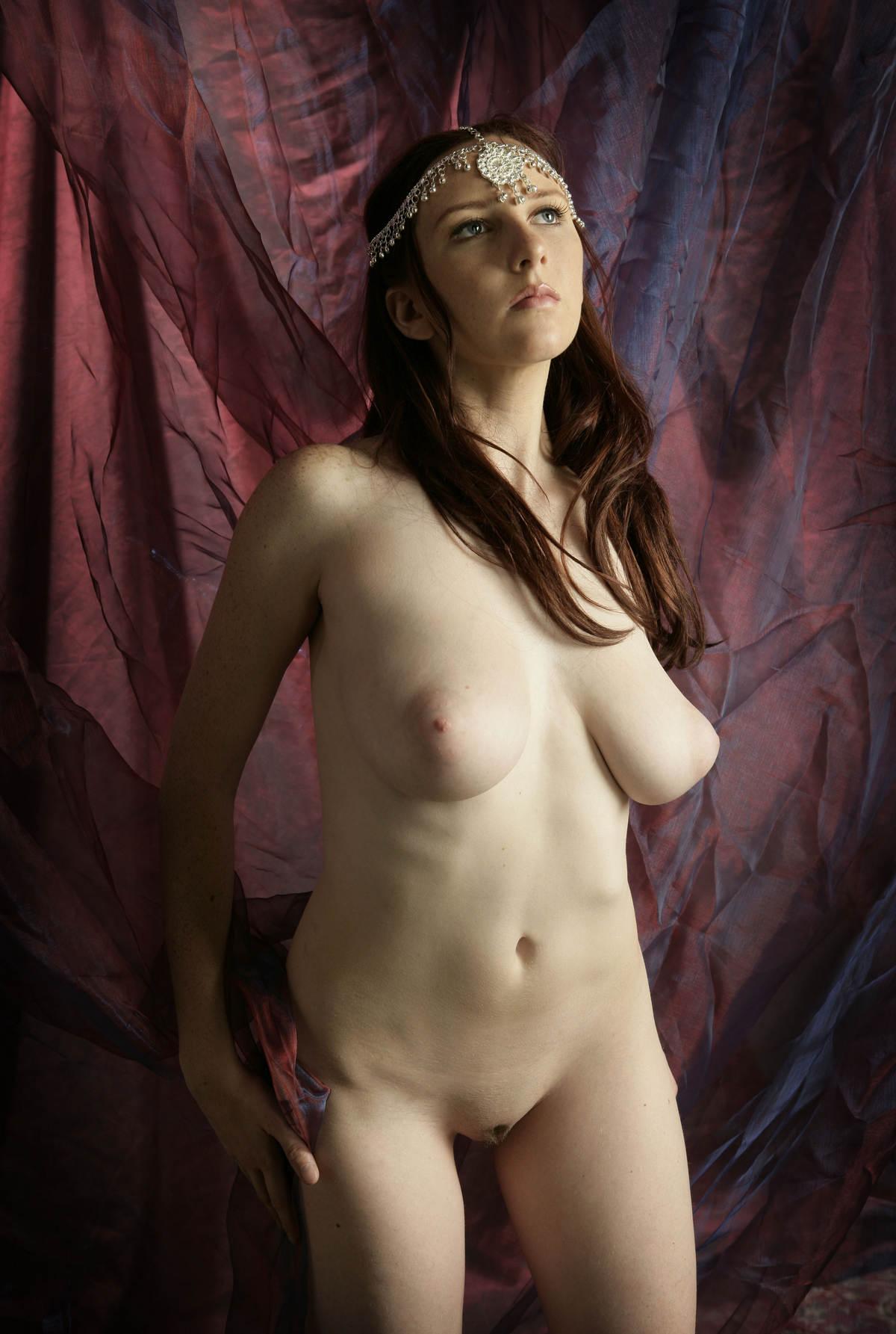 and maclauchlin naked ladies Bare sarah
