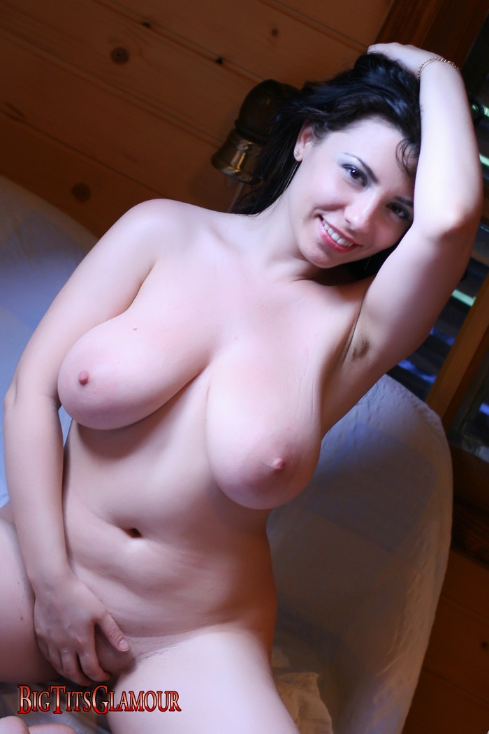 Remarkable, eshe big boobs are not
