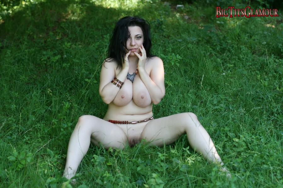 Eshe All Natural Big Tits Glamor absolute