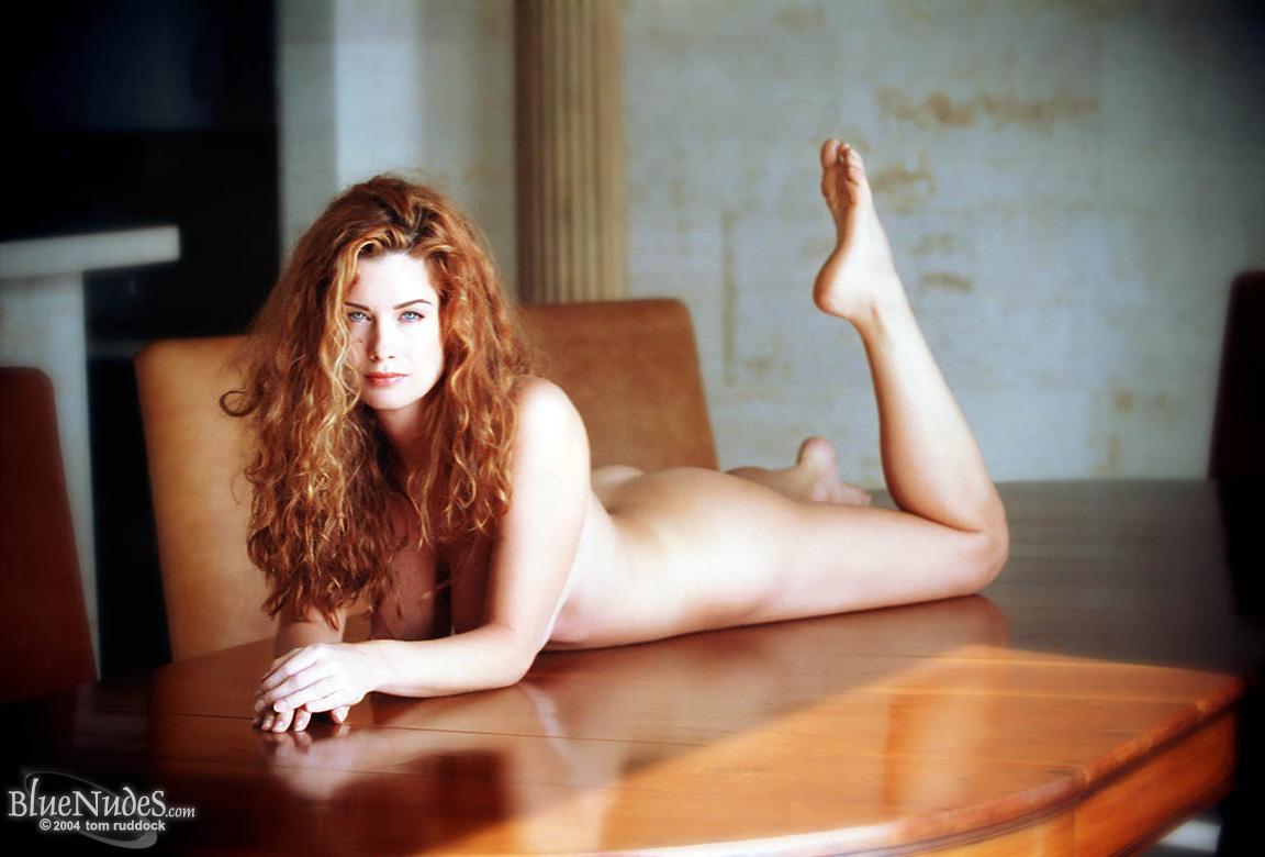 Фото голой carrie, Голая Кэрри-Энн Мосс фото (16 фотографий высокого.) 25 фотография