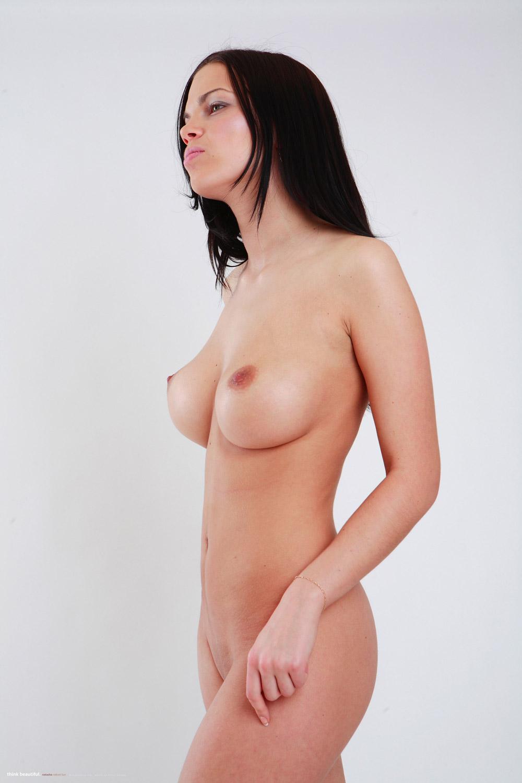 perfect naked female body ingrid