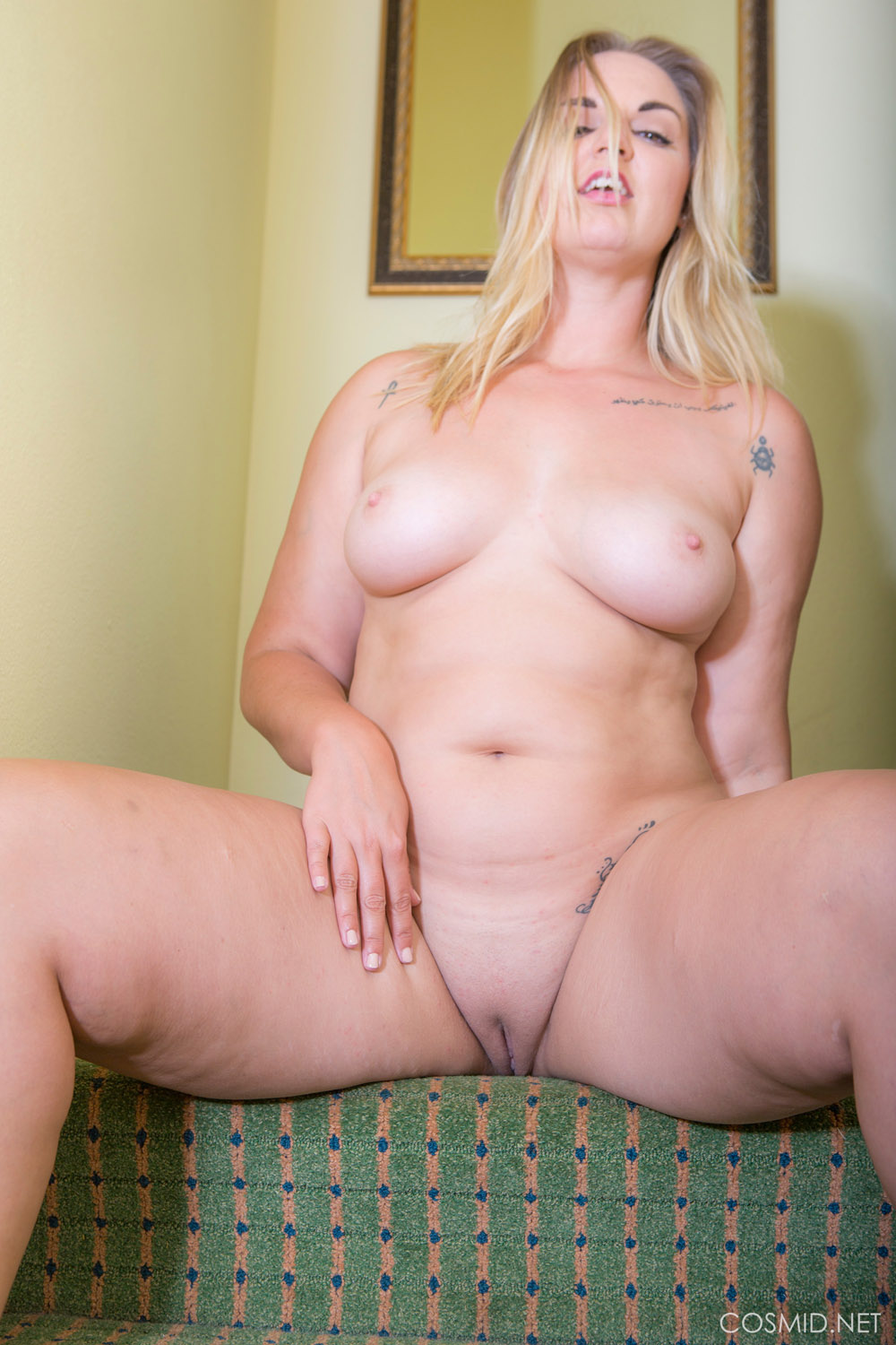 Carrie Voluptuous Curves for Cosmid - Curvy Erotic