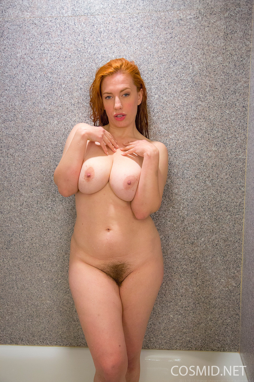 Movie Thumbs Pussy Shower