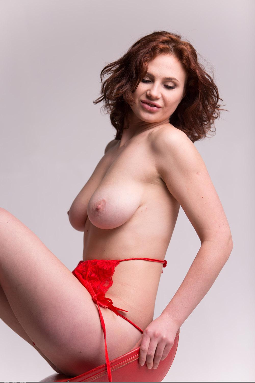 Karine bakhoum tits