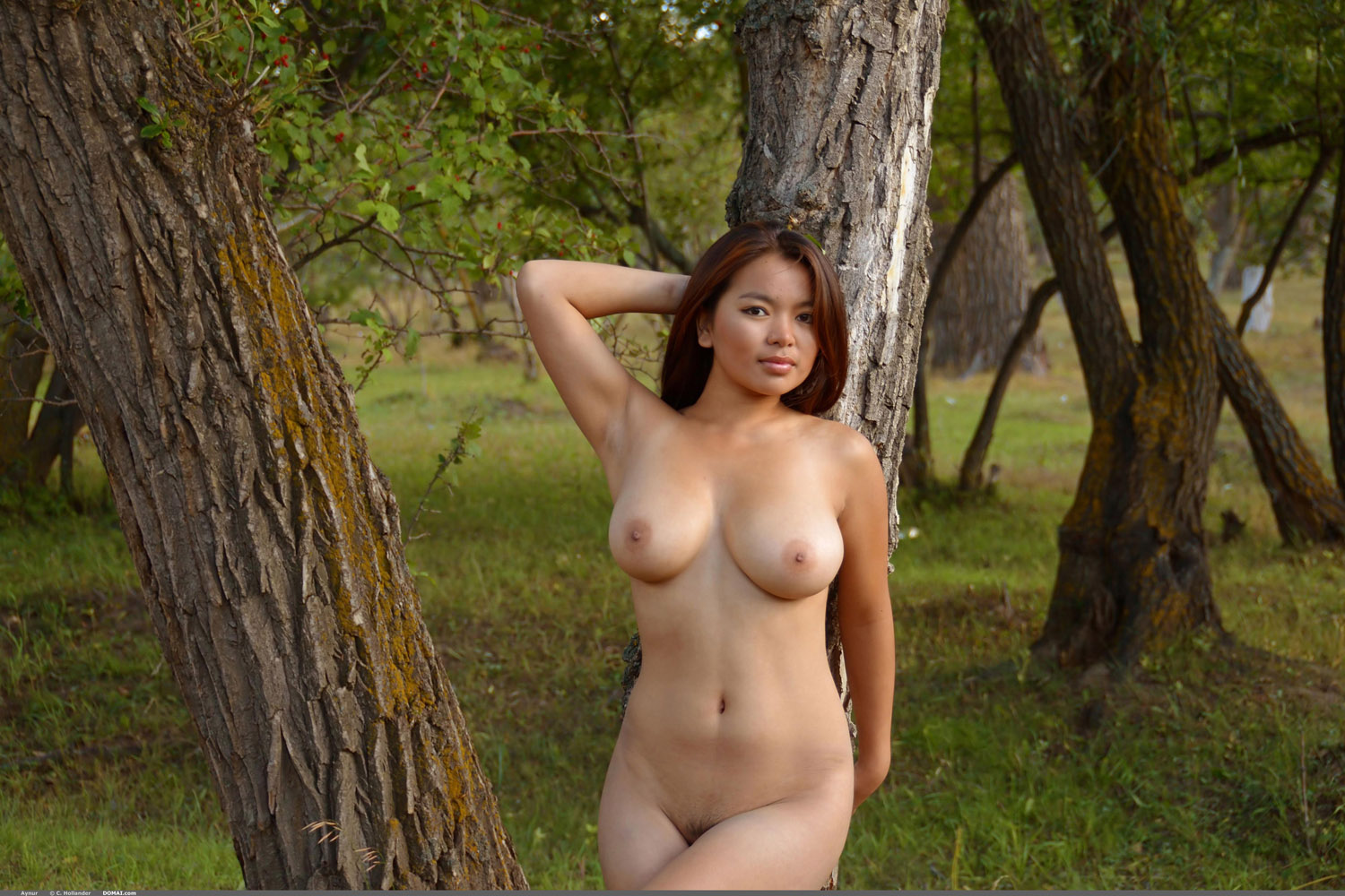 Aynur Nature Walk | Curvy Erotic
