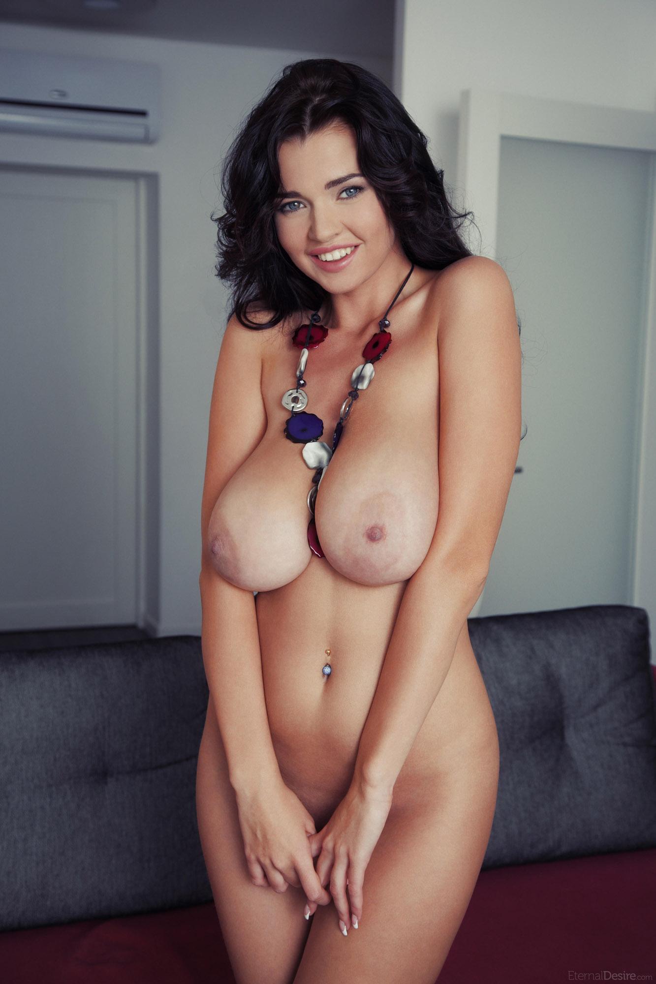 Самая огромная грудь голая 1 фотография