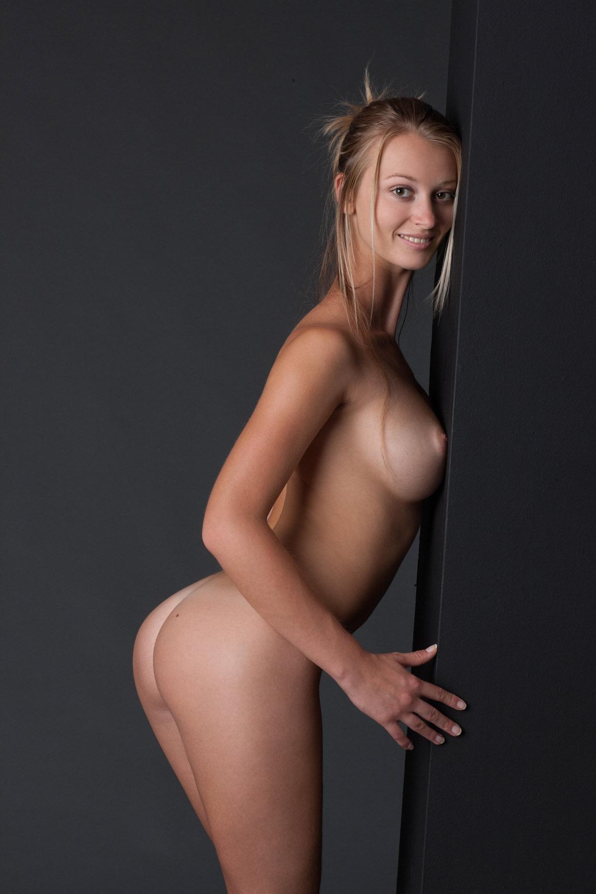 Celebrity Naked Bodies