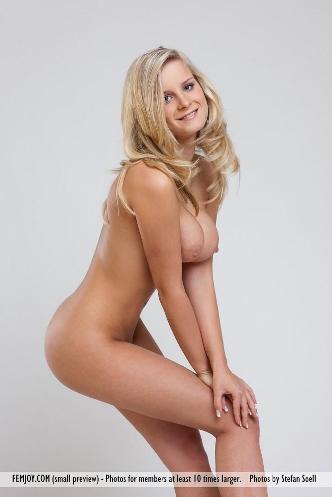 Miela Pure Nudity | Curvy Erotic