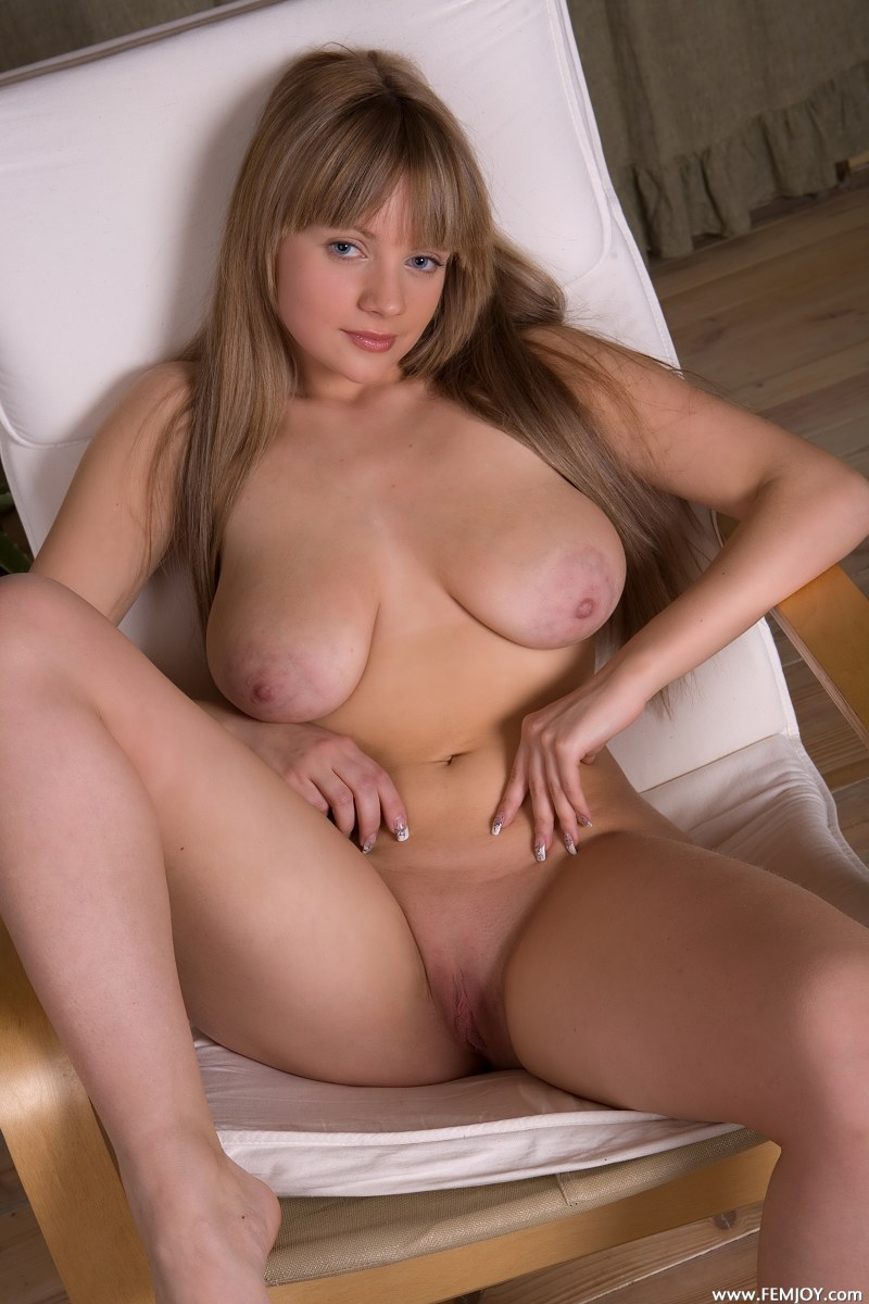image Busty milf beauty in ripped pantyhose fucking