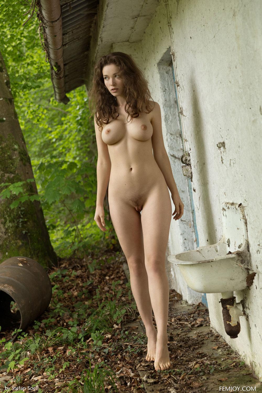Девушка голая дома подборка страпона видео анальный
