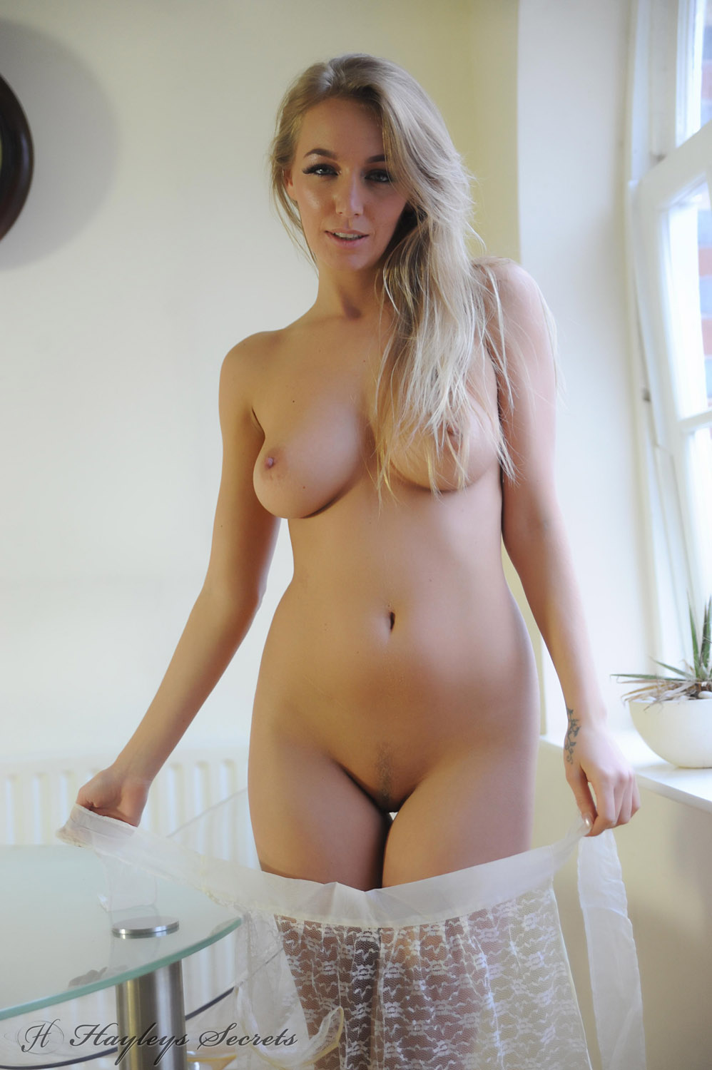Please Hayley marie nude waitress