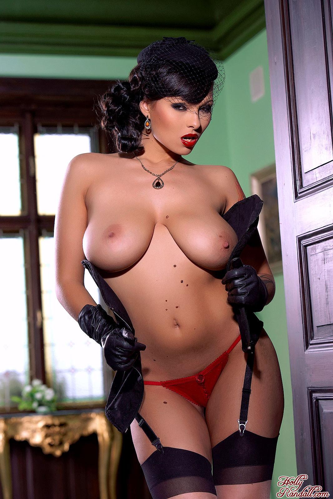 Чернокожие сучки с большими сиськами фото 15 фотография