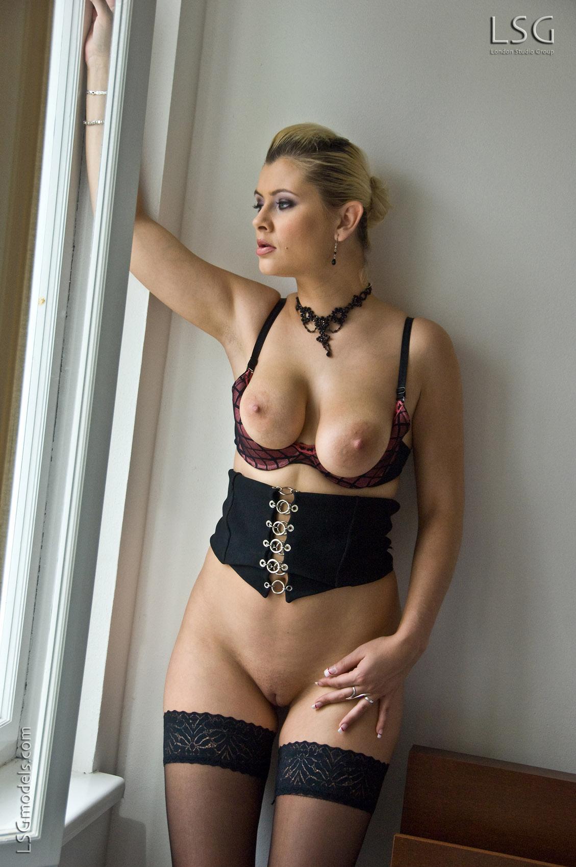 pussylicking model escort prague