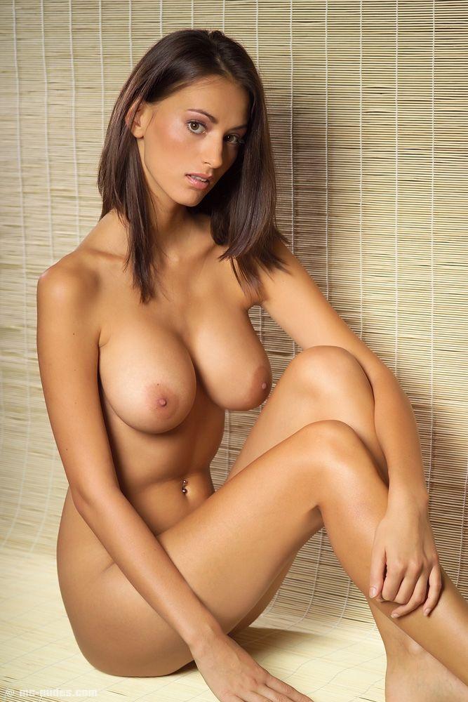 mc-nudes-sexy-girl-girls-girls-girls-nipples