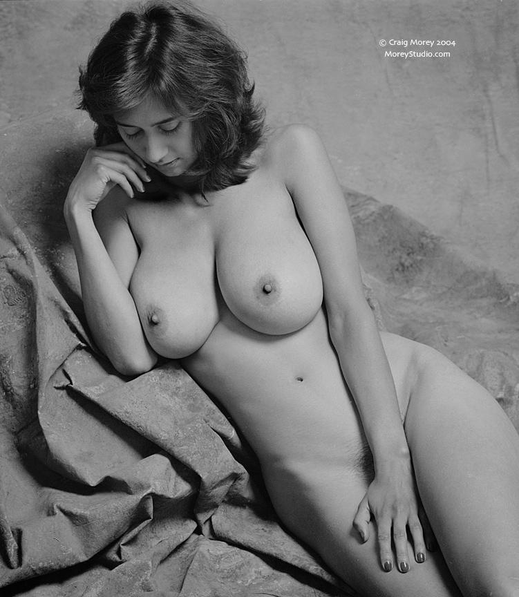 Most beautiful naked woman hot pics