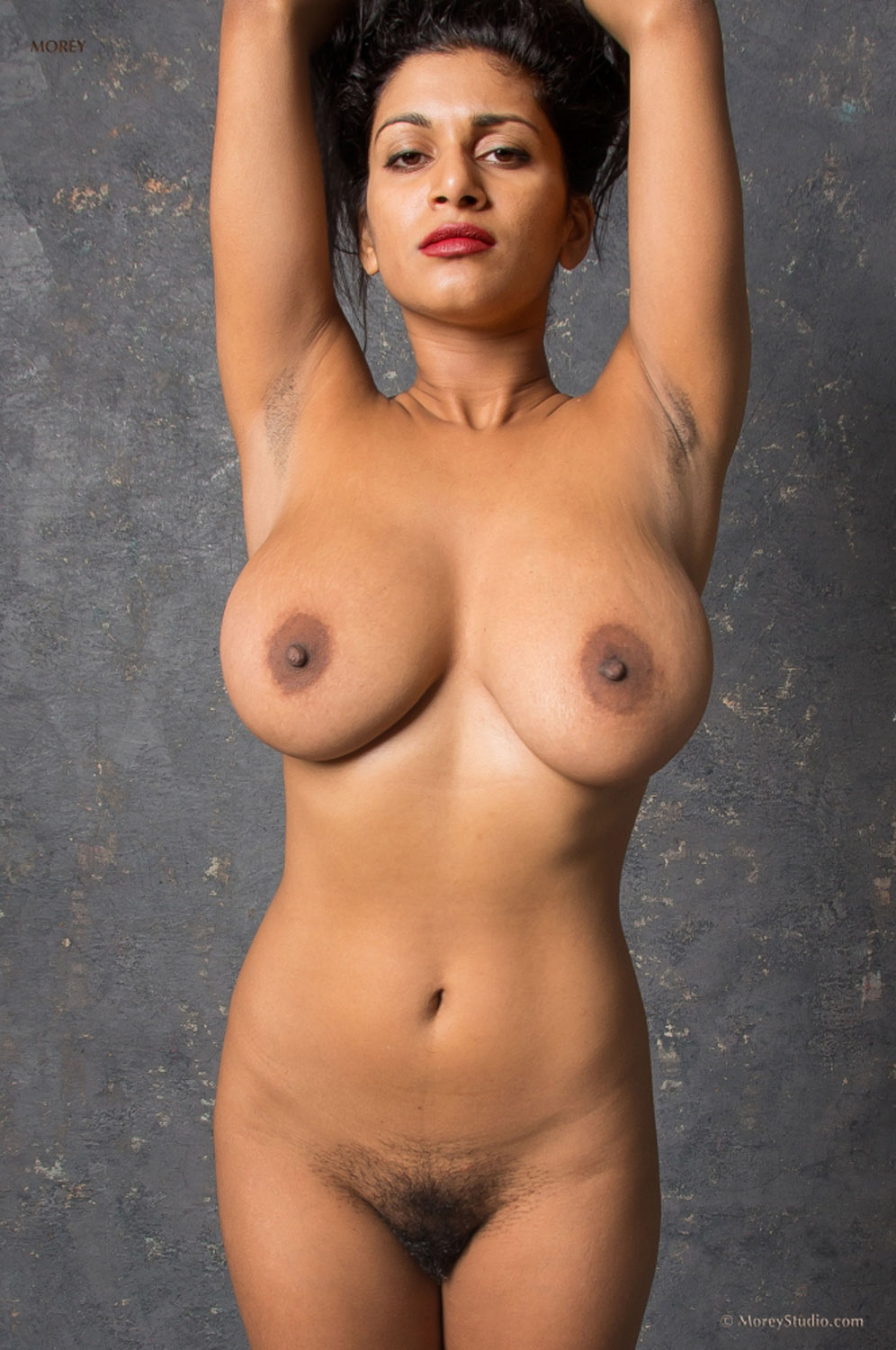 nude amazon woman pictures