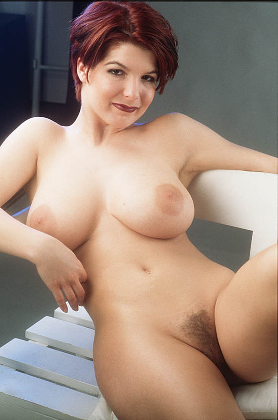 Small titted milf suzy stripping off and having fun 10