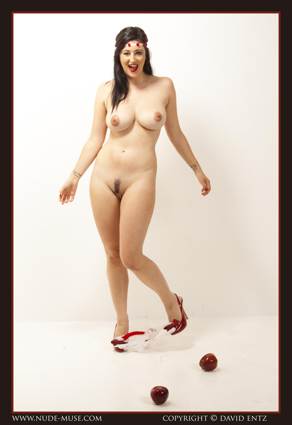 Eden Red Apples - Curvy Erotic