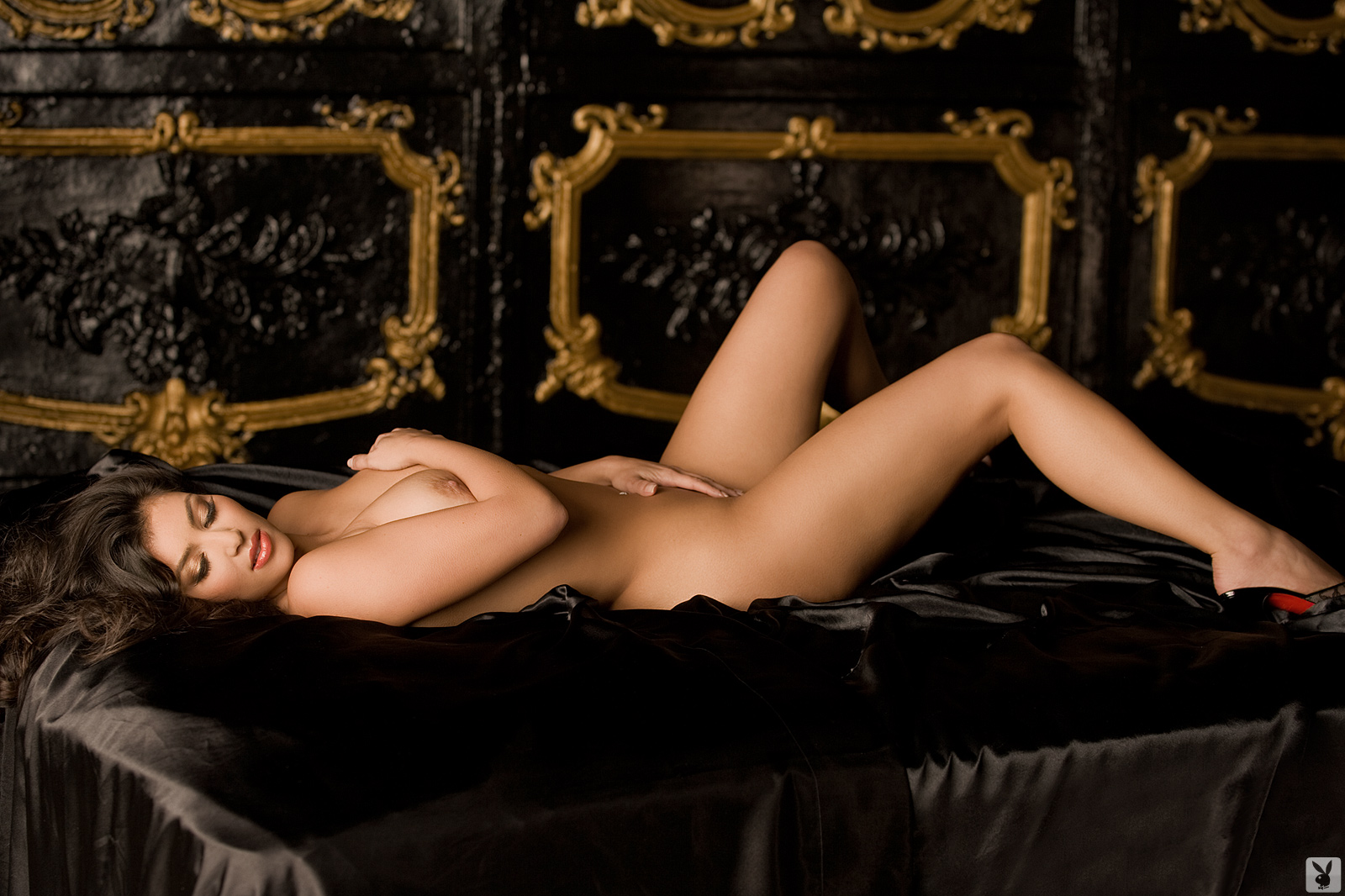 kyle-sexy-kardashians-women-naked-num-lock-video