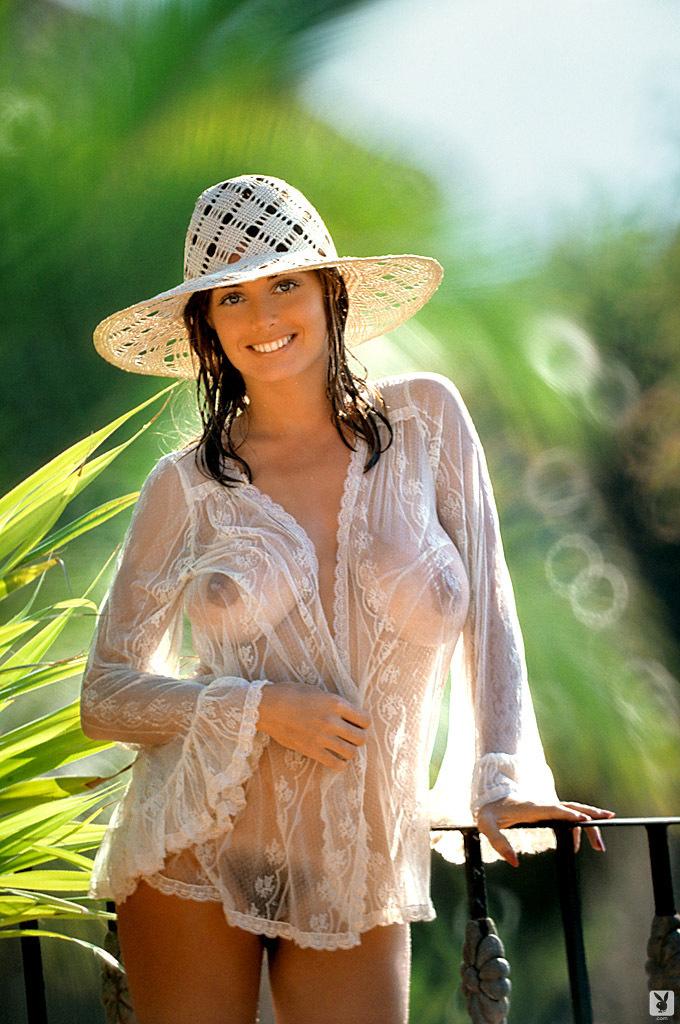 фото с плейбою білявки з великими цицькми Marilyn Lange