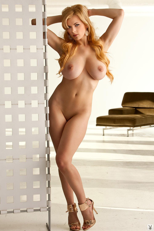 golih-zrelih-golie-fotografii-modeley-s-bolshimi-siskami-seks-prirode