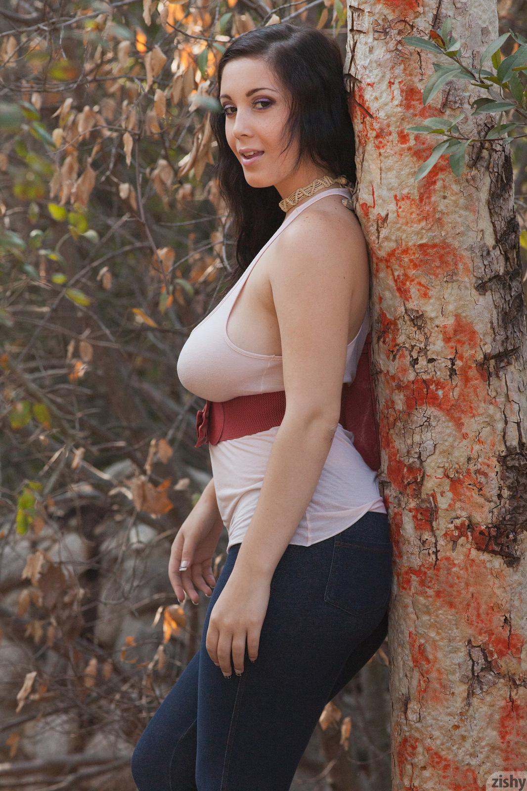 Office babe Noelle Easton demonstrates her stunning big natural boobs № 1445552 без смс