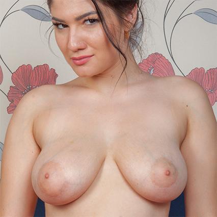 Albina Evans Nude Model
