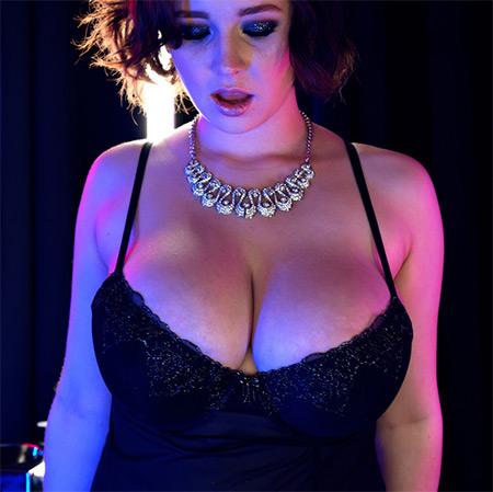 Anna Blaze Nude Model