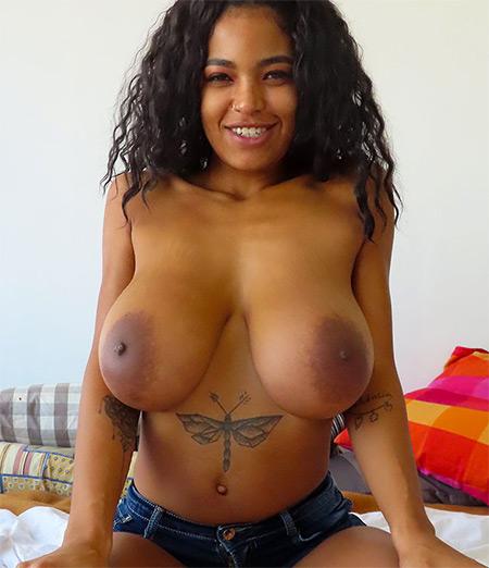 Ebony Newcomer Nude Model