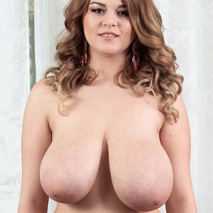 Erin Star Nude Model