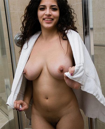 Gabriela Lopez Nude Model