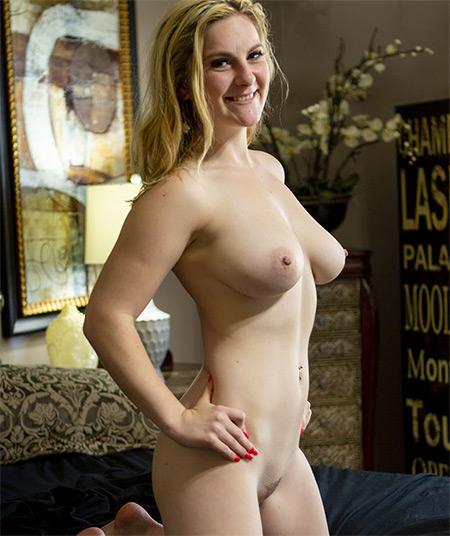 Kara Lee Nude Model