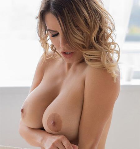 Sharona Nude Model
