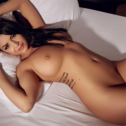 Sophy Davis Nude Model