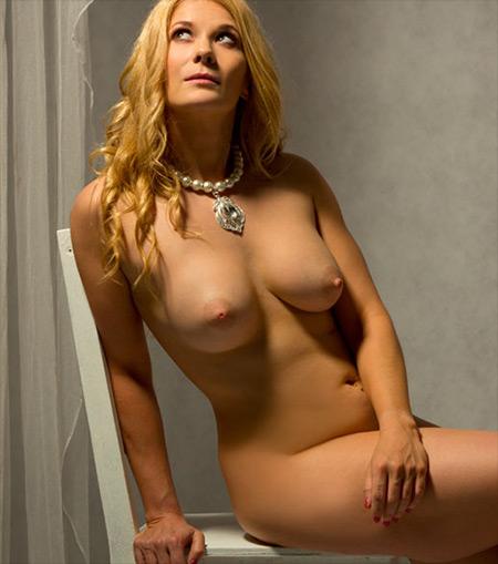 Summer Knight Nude Model