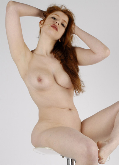Alixia Pure Curves