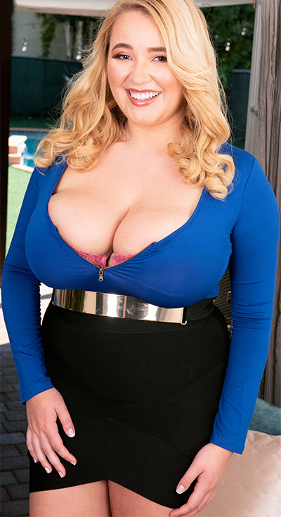 Annabelle Rogers Is Irresistible XL Girls