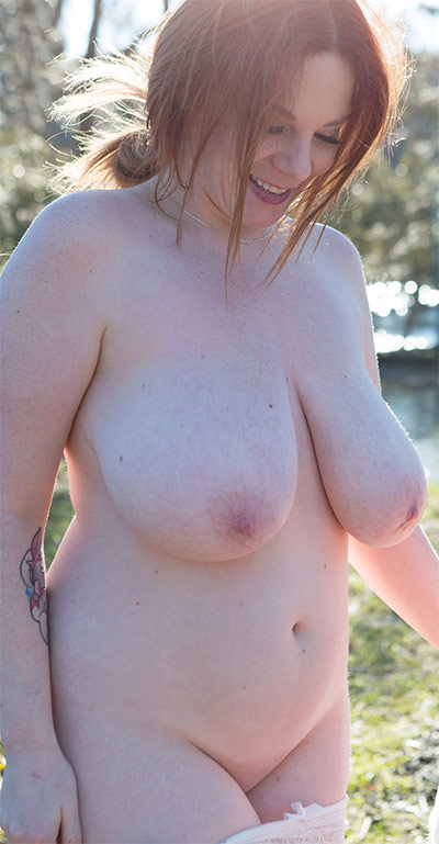 Avalon Outdoor Sex XL Girls
