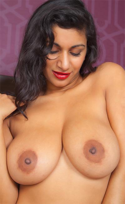 nude cosmid Carla white