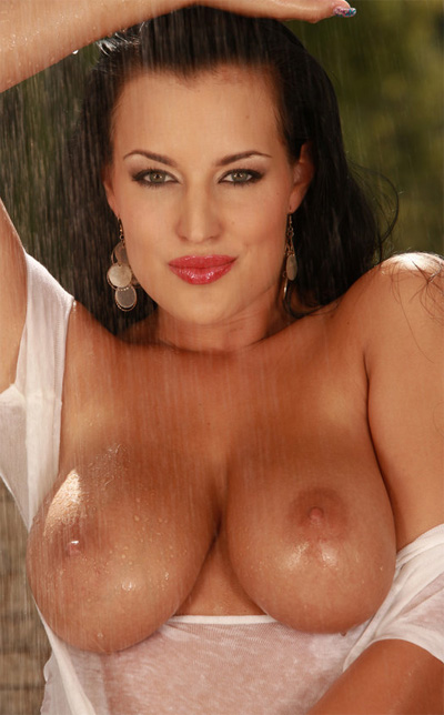 Carmen Croft Get Wet for Viv Thomas