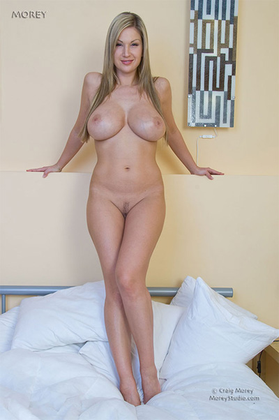 Carol Goldnerova Nude Morey Studios