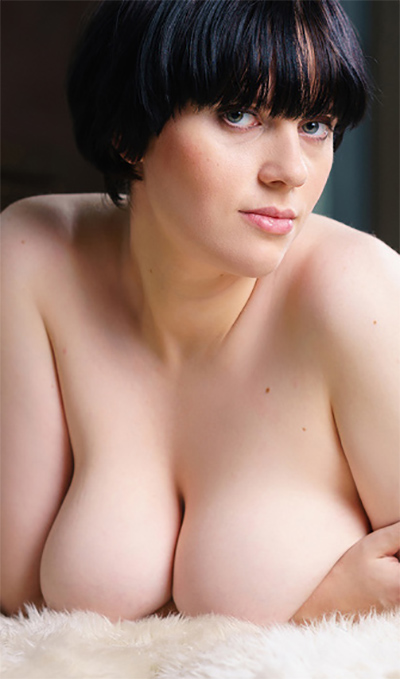 JoannaCarol Busty Webcam Model