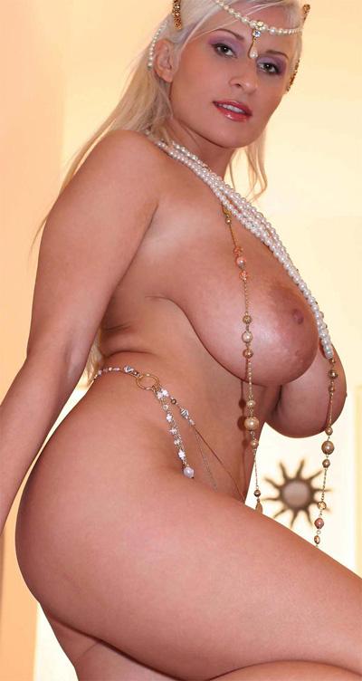 naked nude floppy nipples