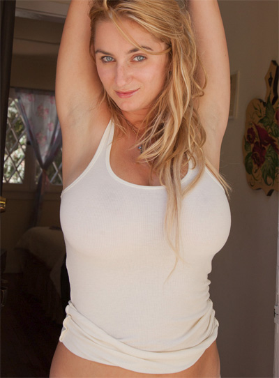 Cassie Becker Comfy Bedroom Zishy