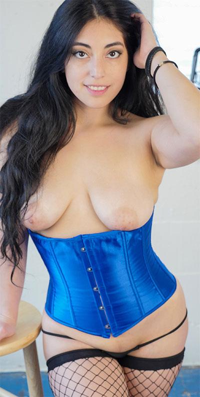 Catalina Rene Corset Curves Yanks