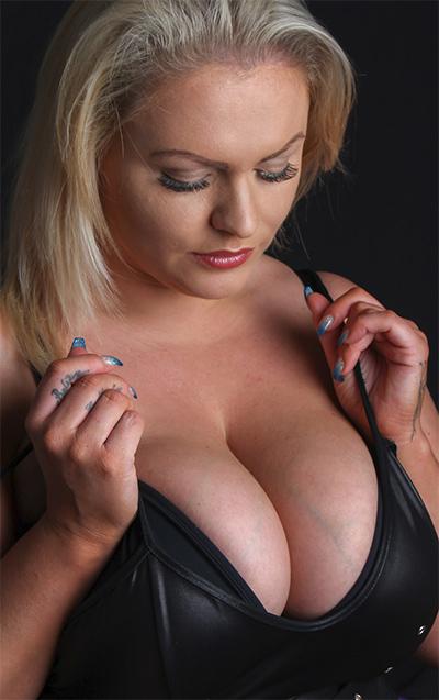 Charley Green Dark Erotic Photo Shoot