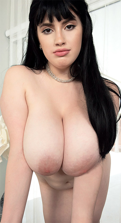 Dina Sahari Beautiful and Busty Scoreland