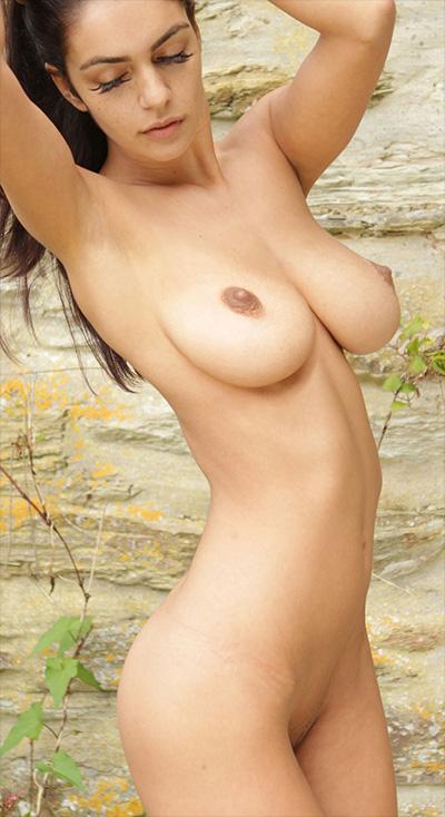 Ela Andrea Garden Wall Body In Mind